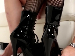 Femdom Pegs Worthless Submissive