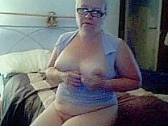 Mature fat blonde masturbating