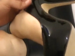 Married MILF feet and toes tease