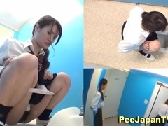 Japanese highschool teens urinate
