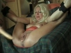 I fucked this MILF with a sex toy