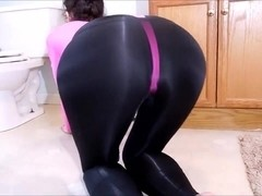 Spandex Angel - Sexy pink leotard 2